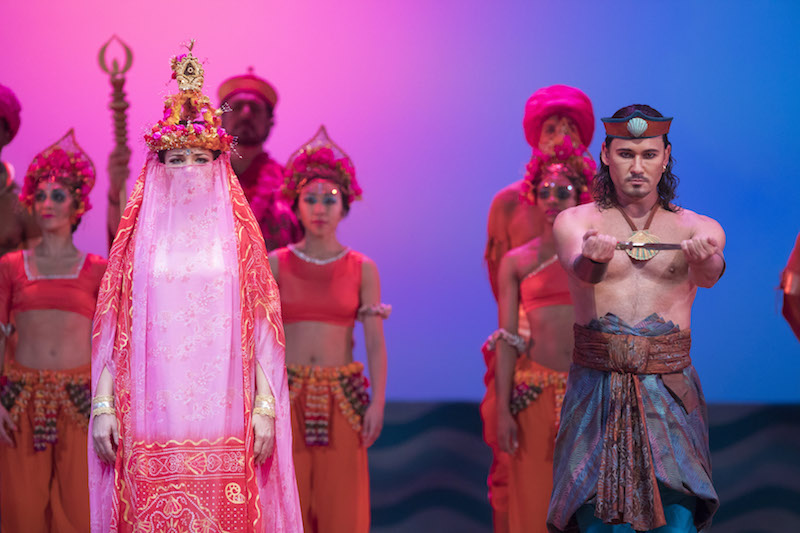 Lyric Opera of Chicago's The Pearl Fishers