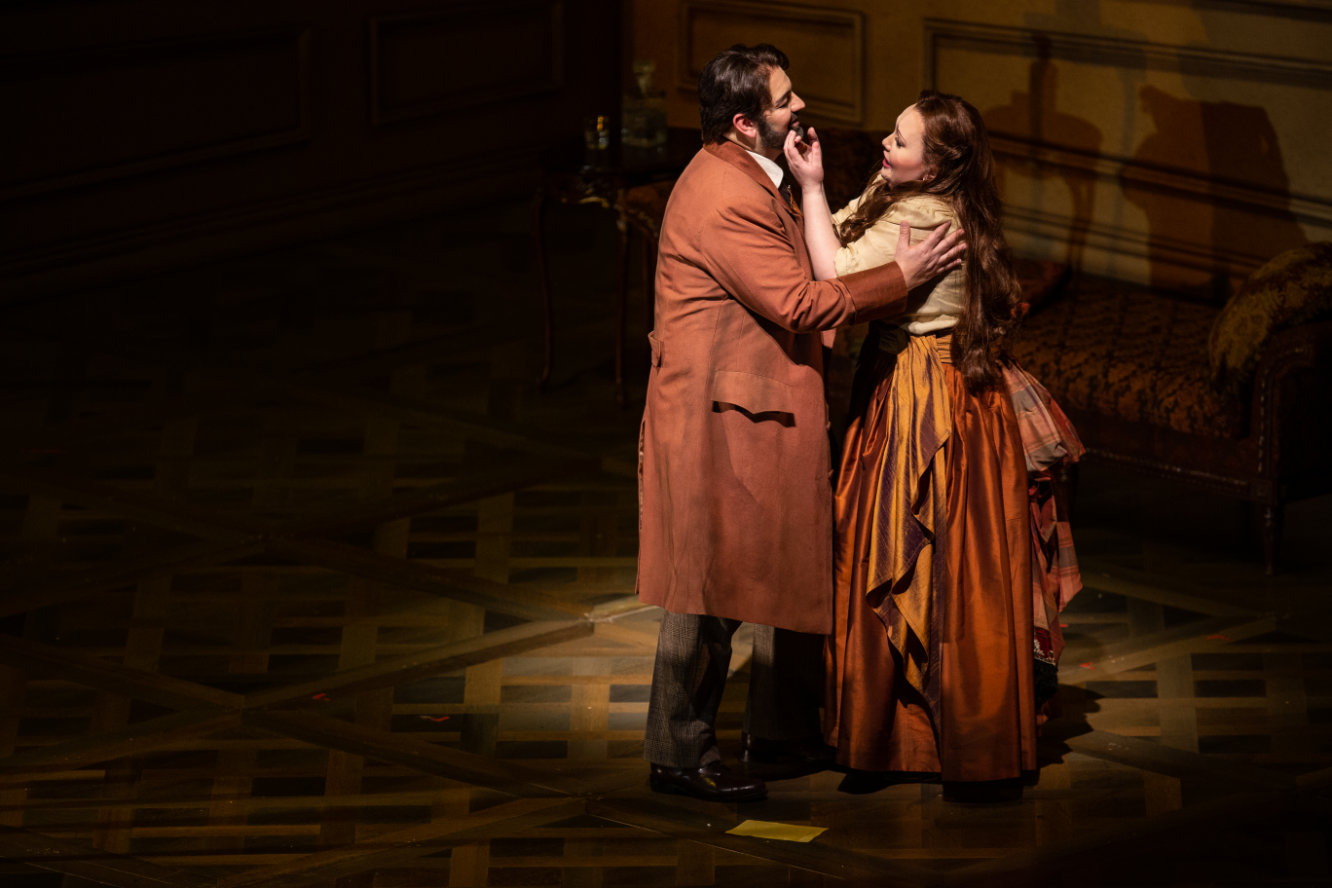 Lyric Opera of Chicago's La traviata